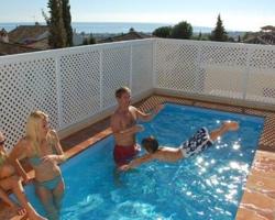 Piscinas para aticos beautiful piscina dubai with for Atico con piscina privada