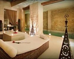 Hoteles con piscina climatizada en sevilla for Hoteles con piscina climatizada en andalucia